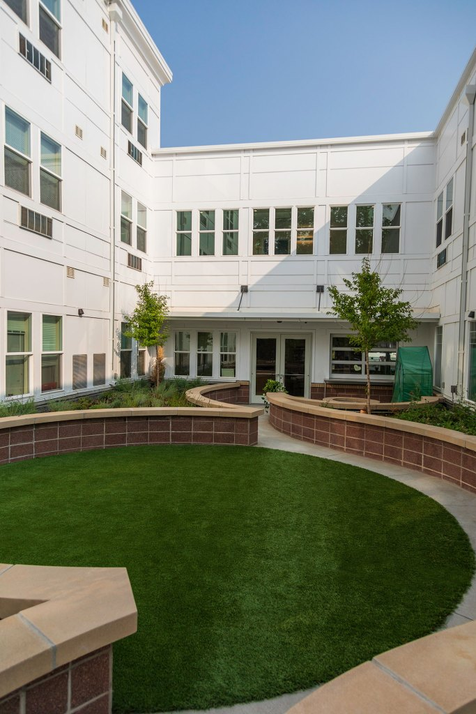 STUDIO-Architecture-Attention-Homes-Courtyard