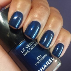 Chanel Vernis Nail Colour in 681 Fortissimo
