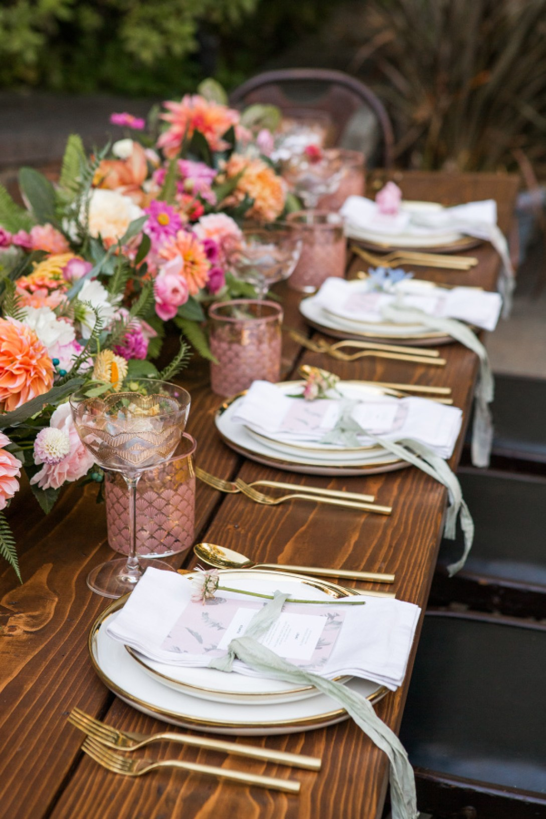 The Styled Bride Winterthur Museum Summer Wedding Tablescape | www.thestyledbride.com