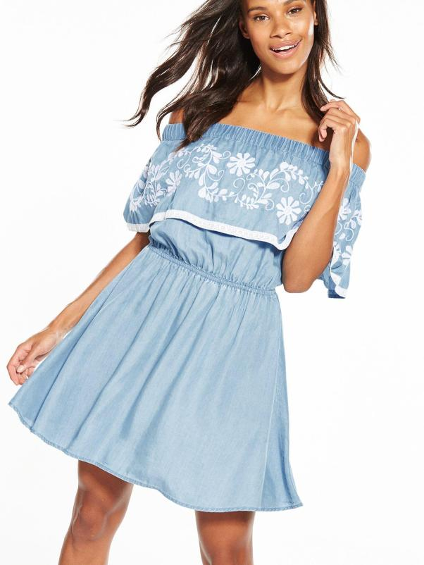 Embroidered dress, €48 Shop here