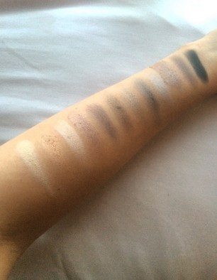 Urban Decay Naked2 Palette - swatch 1