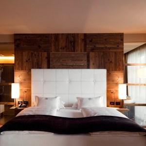 Dolomiti Val Gardena - AlpinaDolomites room bed - TheStyleLovers