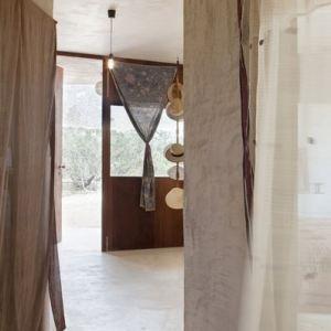 Formentera Casa Daniela corridoio - The Style Lovers