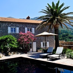 Montenegro Aman Sveti Stefan suite private pool - The Style Lovers