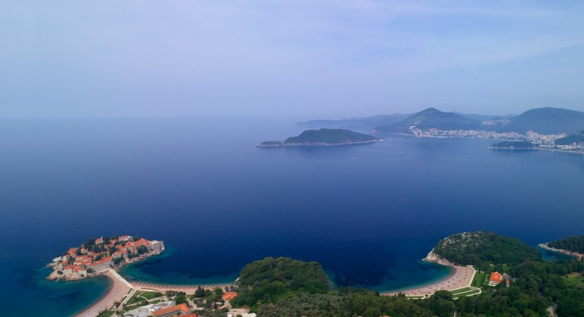 Montenegro la nuova meta del lusso. Aman Sveti Stefan view - The Style Lovers