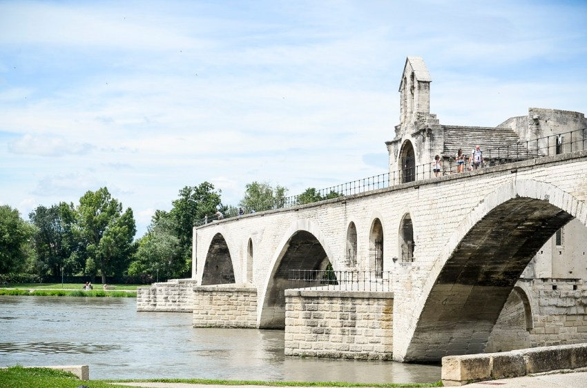 Pont Avignone - thestylelovers.com