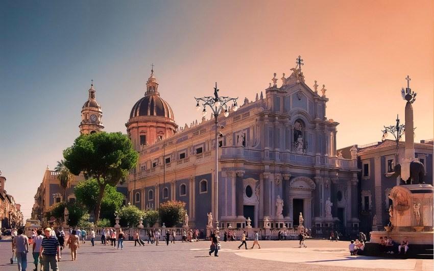 sicilia-etna-catania-visitare-duomo-thestylelovers.com