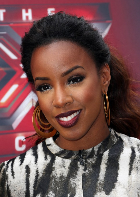 https://i1.wp.com/thestylenewsnetwork.com/wp-content/uploads/2013/07/Kelly-Rowland-With-Gorgeous-Ombre-Ponytail-4.jpg?resize=583%2C819