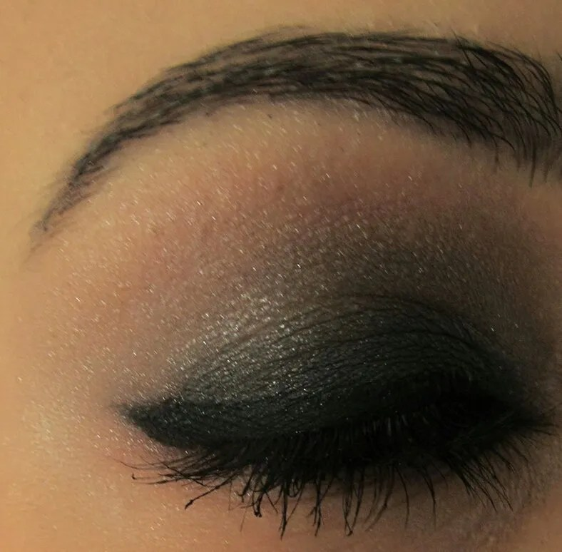 Makeup: step by step to smokey eyes