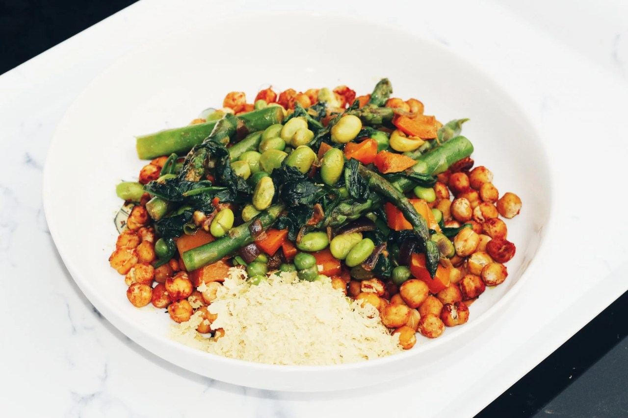 facial at Harley Street - The Style of Laura Jane - plant based healthy bowl chickpeas