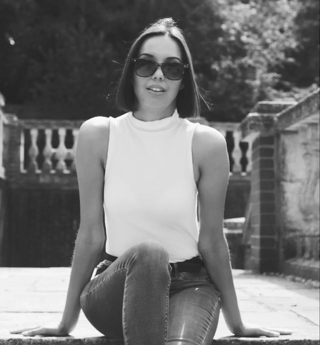too much choice - black and white - lifestyle blog - The Style of Laura Jane