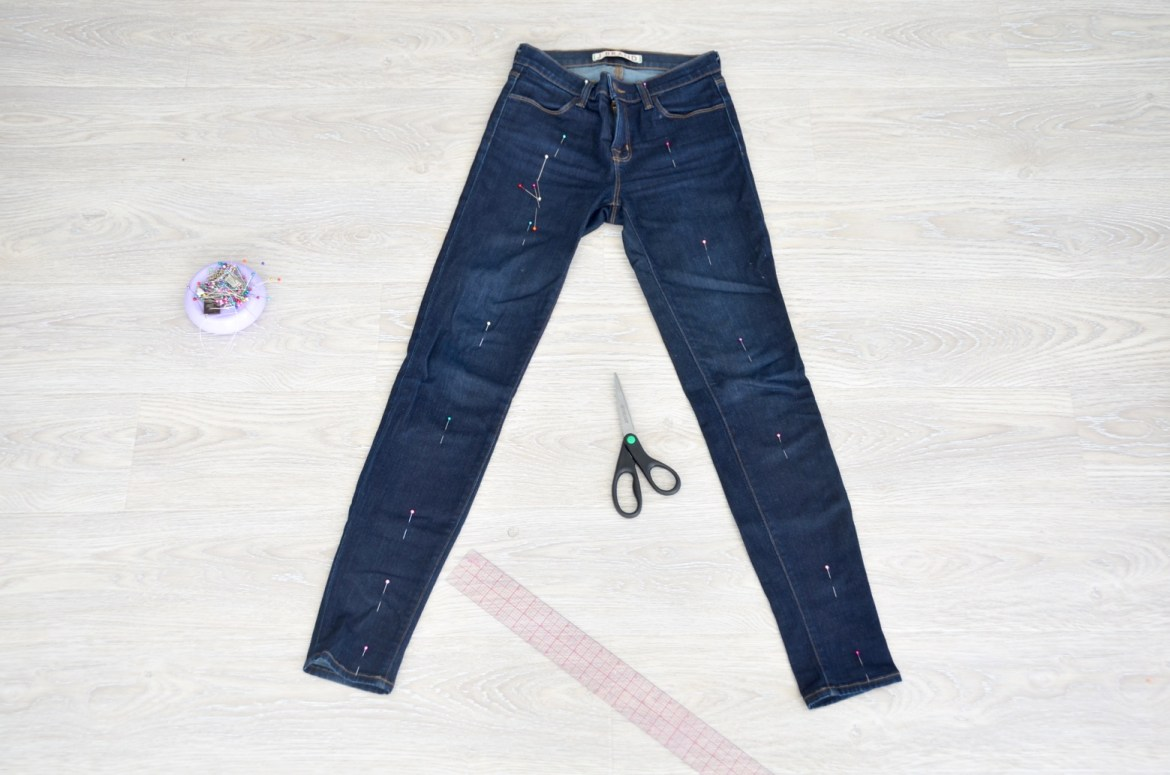 how to DIY vestments inspired two tone jeans, do it yourself by Stefanie Schoen of the Style Safari