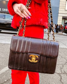 Kasey Ma showing off her black chanel bag at NYFW 2020
