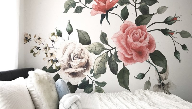 How to decorate with wallpaper