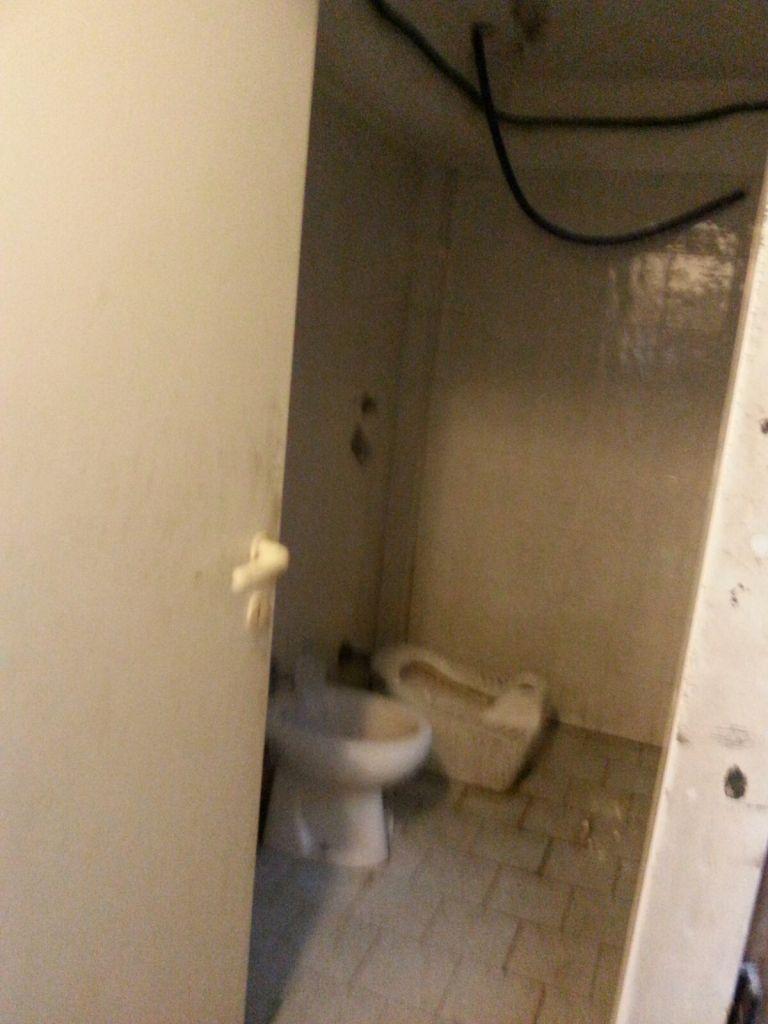 Un bagno del Centro di Via Fantoli.