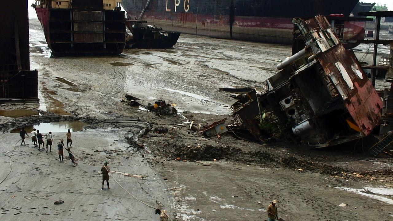 Smantellare navi a danno dell'ambiente: <br /> dati e numeri dello shipbreaking