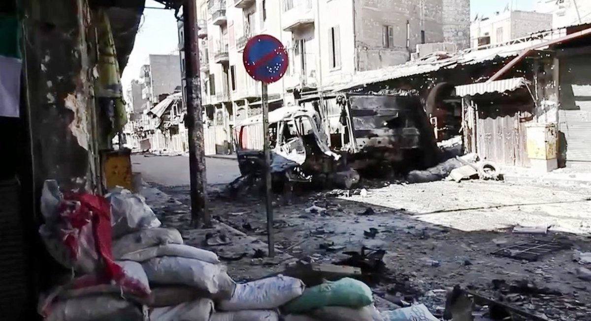 https://i1.wp.com/thesubmarine.it/wp-content/uploads/2016/11/Bombed_out_vehicles_Aleppo.jpg?fit=1200%2C653&ssl=1