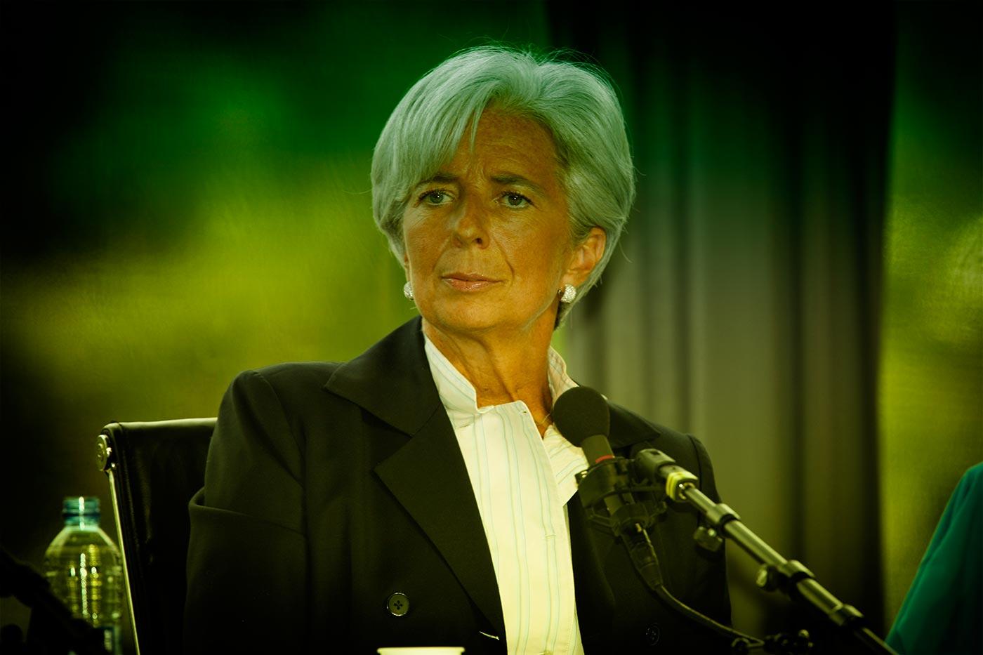 Inizia oggi il processo a Christine Lagarde per aver regalato 400 milioni di fondi statali a un tipo