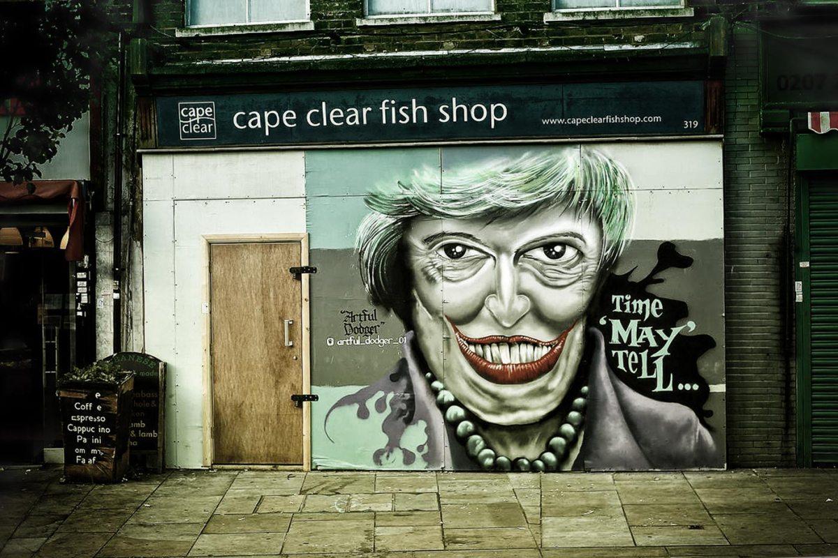 https://i1.wp.com/thesubmarine.it/wp-content/uploads/2017/01/Theresa_May_graffiti_art_Herne_Hill.jpg?fit=1200%2C800&ssl=1