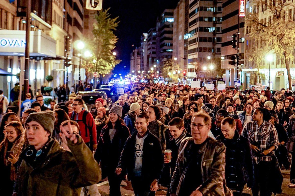 https://i1.wp.com/thesubmarine.it/wp-content/uploads/2017/02/Anti-Trump_Protest_Washington_DC.jpg?fit=1200%2C799&ssl=1