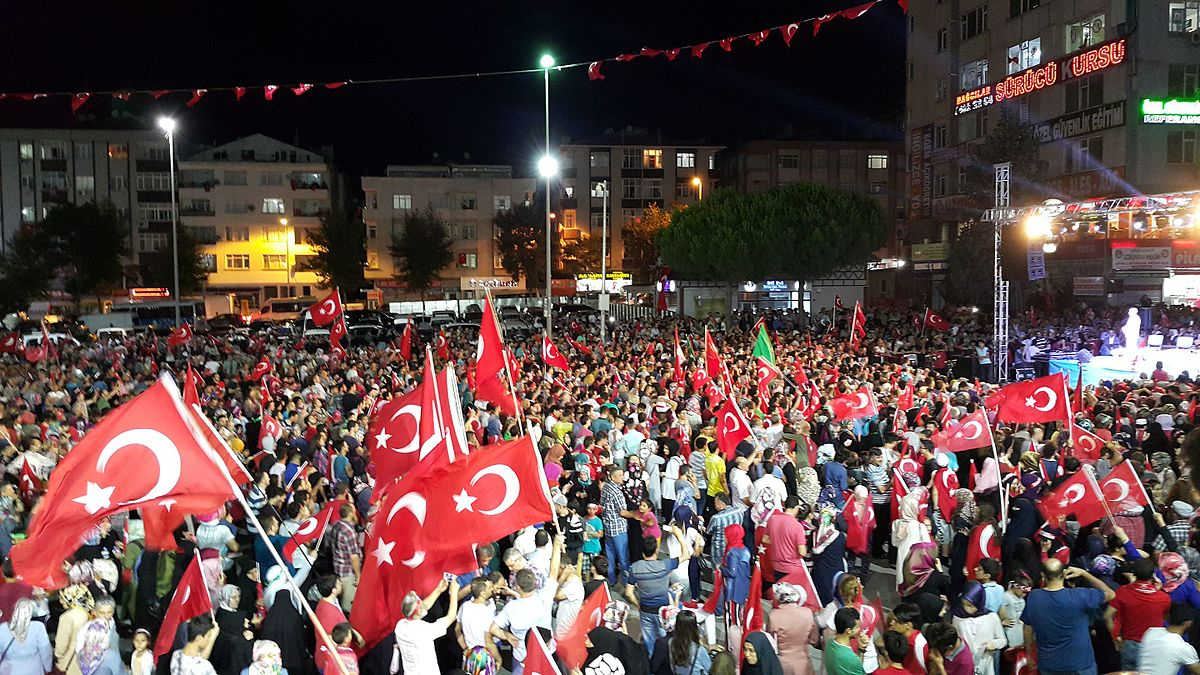 1200px-turkish_protesters_in_istanbul