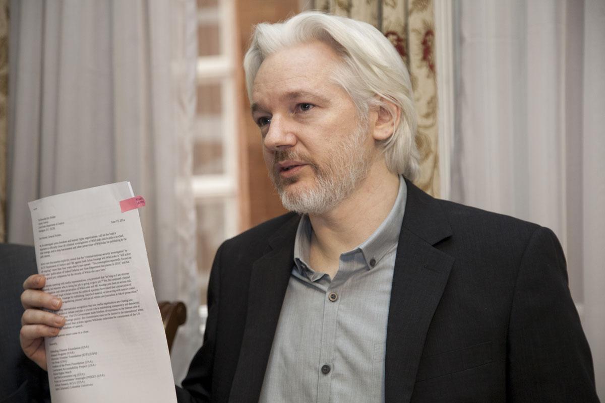https://i1.wp.com/thesubmarine.it/wp-content/uploads/2017/04/assange.jpg?fit=1200%2C800&ssl=1