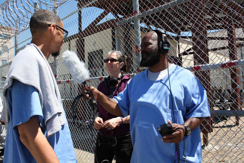C'è un podcast registrato da carcerati che raccontano la vita all'interno di una prigione