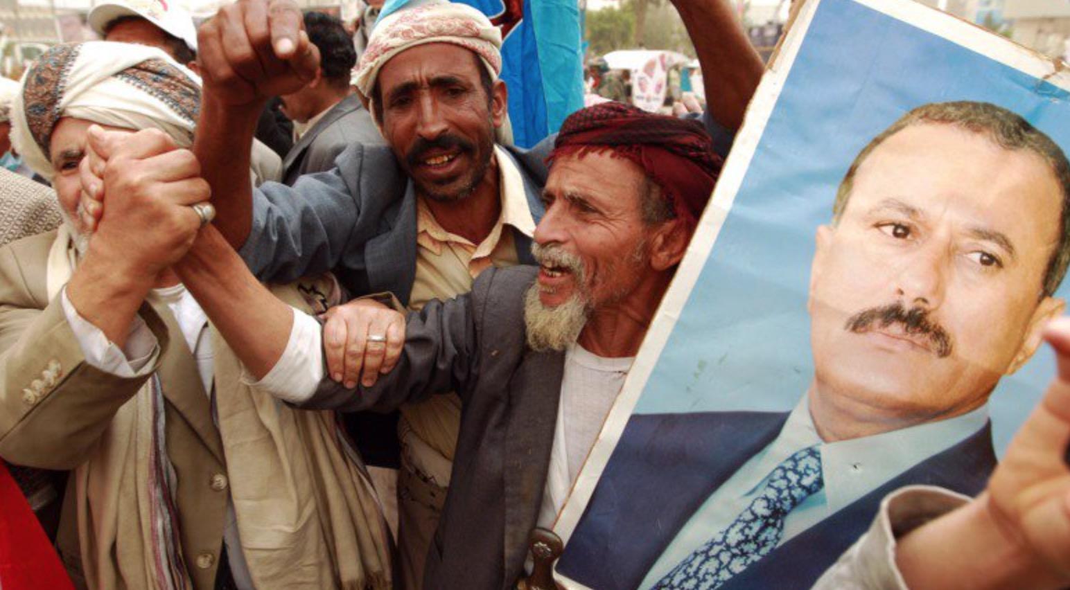 <em>Hello, World!</em> <br />In Yemen si balla coi serpenti