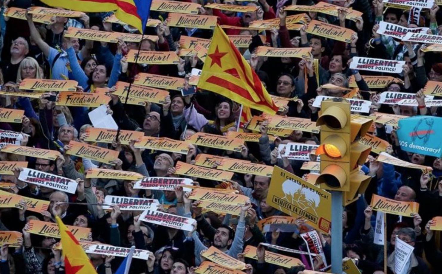 <em>Hello, World!</em> <br />La Catalogna spaccata