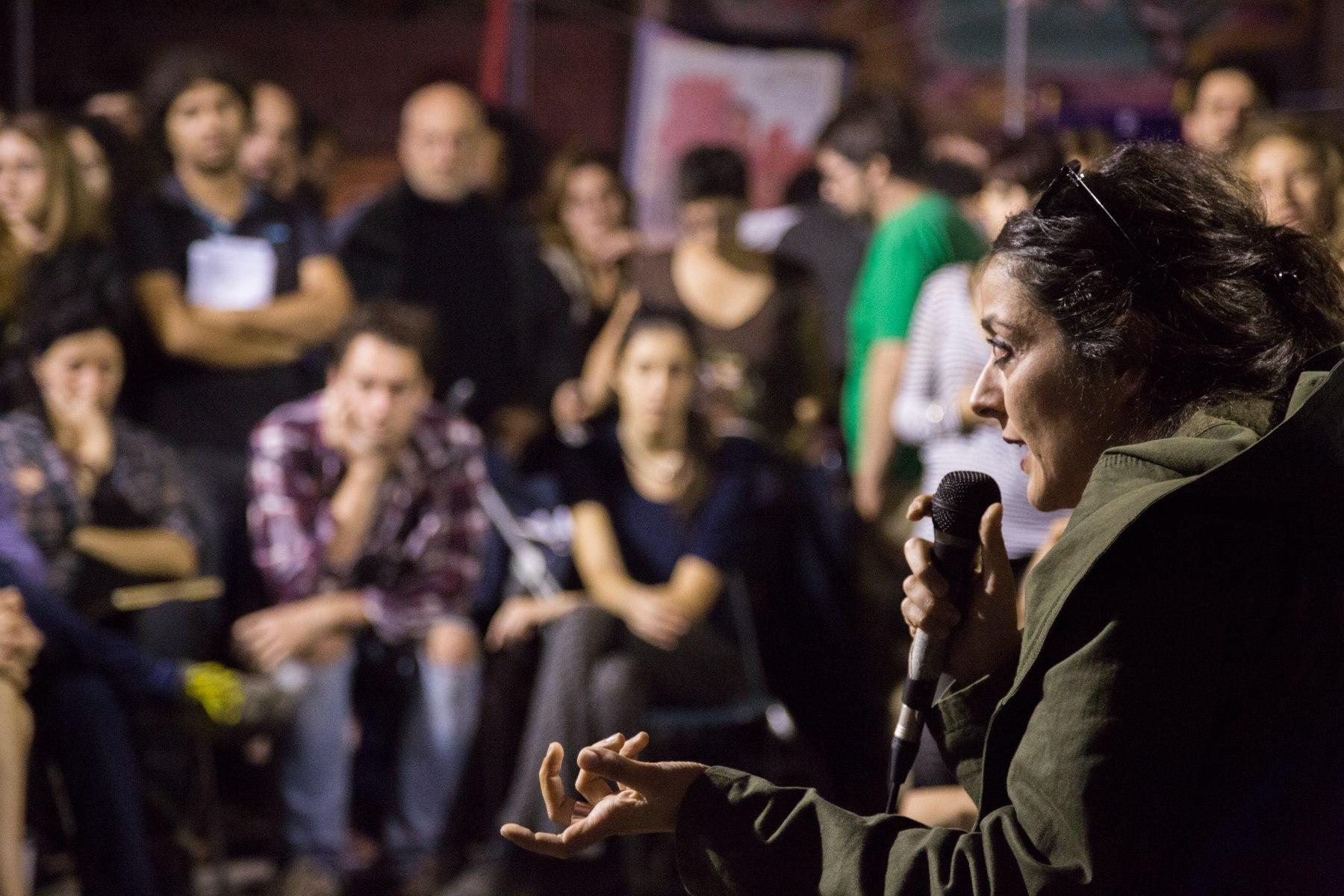 """""""Non siamo piú nelle fabbriche ma siamo comunque operai."""" <br />Intervista a Marta Fana"""