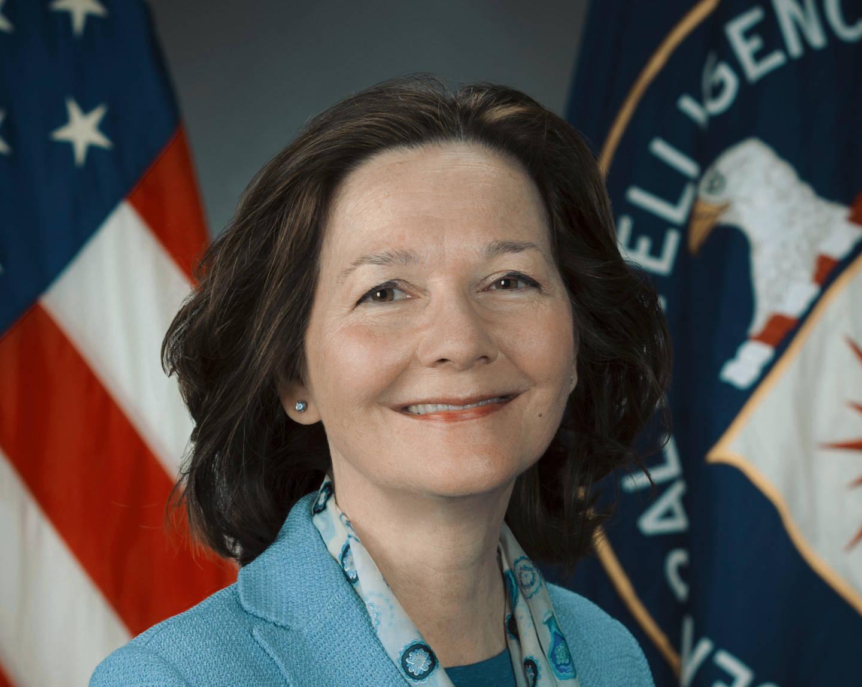 """Chi è Gina Haspel, la """"regina delle torture"""" che Trump vuole alla guida della CIA"""