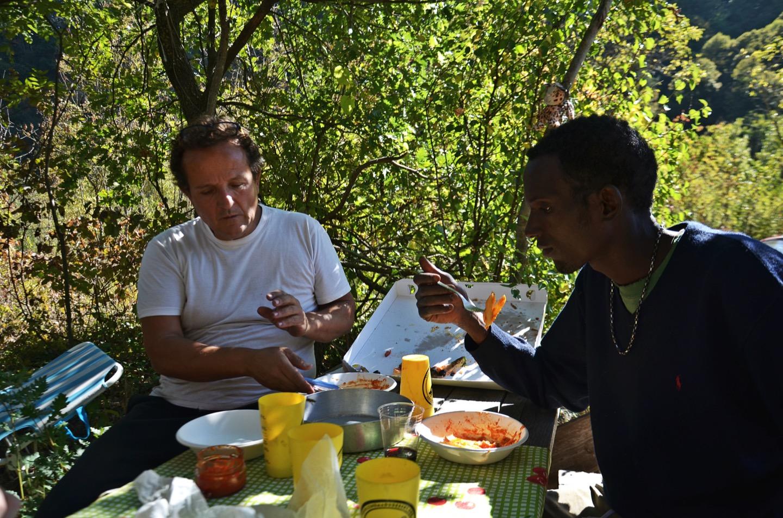 Commensalità virtuale: quando il cibo aiuta a sentirsi a casa