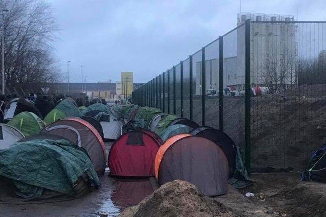 Il Regno Unito ha pagato 315 milioni alla Francia per bloccare i migranti a Calais