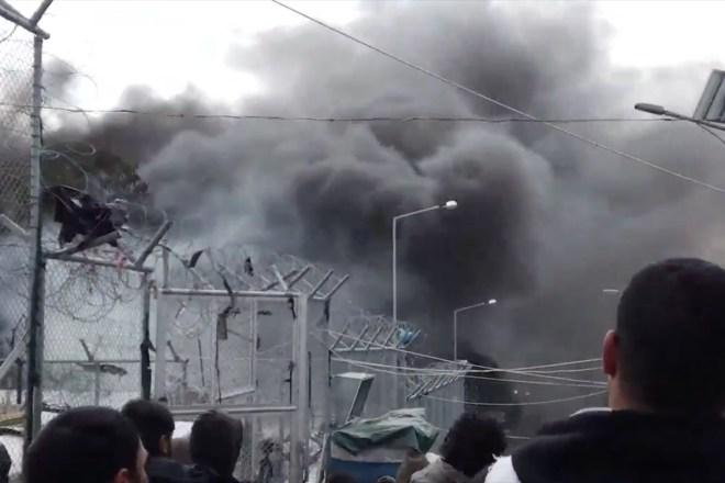 Un bambino è morto in un incendio nel campo di detenzione di Moria, a Lesbo