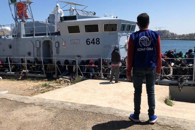 Per i governi europei è meglio annegare nel Mediterraneo che rischiare di prendere il virus