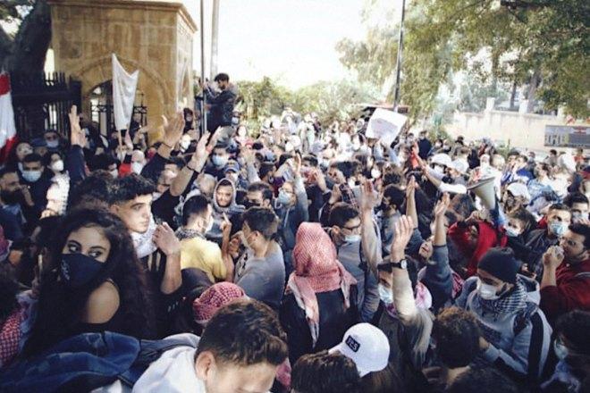 In Libano gli studenti non vogliono pagare tutto il prezzo della crisi economica