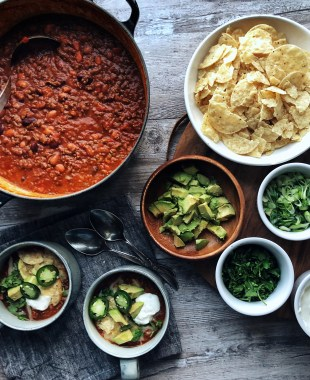 Basic Chili with toppings