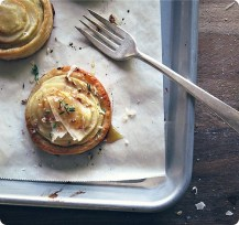 apple and goat cheese tartlets via seven spoons