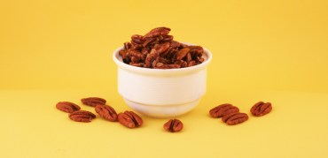 sweet n spicy candied pecans via by chef chloe