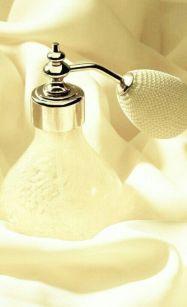 pale yellow perfume atomizer via pinterest