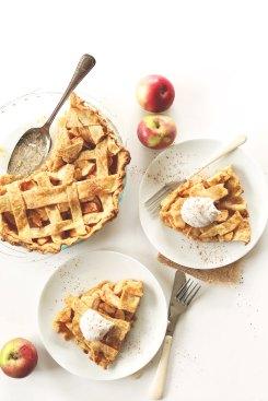 vegan pumpkin spiced apple pie via minimalist baker