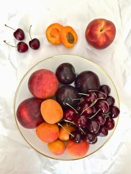 stone fruit salad via passionately raw
