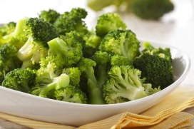 steamed-broccoli-with-olive-oil-and-garlic-and-lemon-via-epicurious