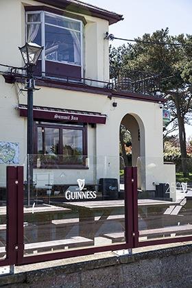 The Summit Inn, Howth, Co. Dublin. Ireland