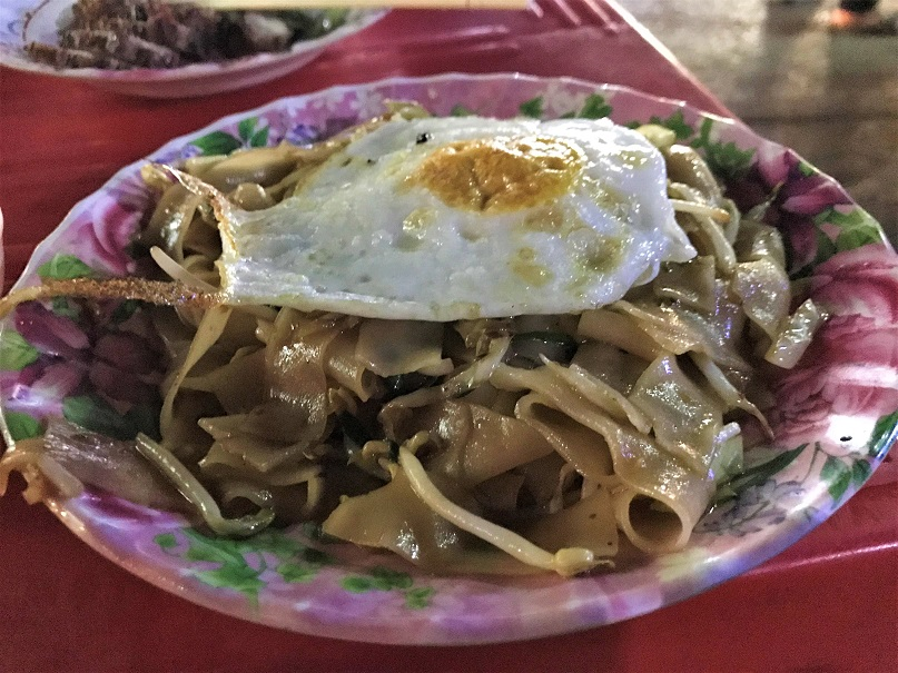 Siem Riep fried noodles Budget Breakdown How To Spend Less Than $50 Per Day in Cambodia