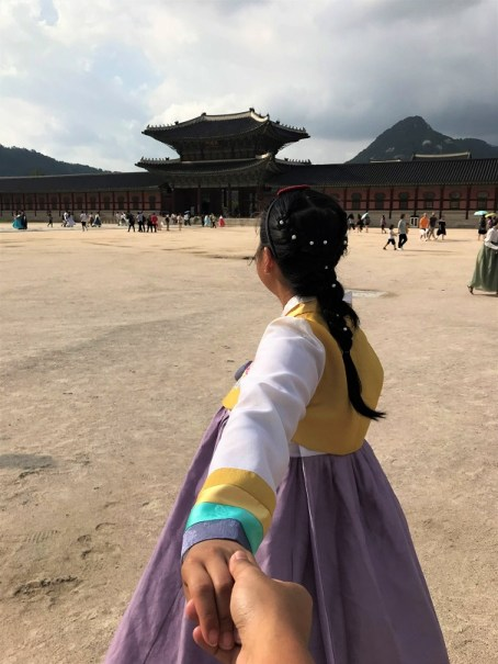 Shelly-in-a-hanbok-The-Sum-of-Travel