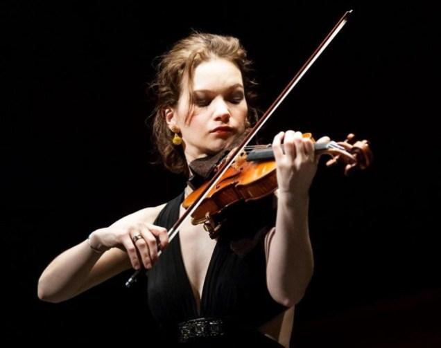 Violinist Hilary Hahn (Photo: Karsten Moran)