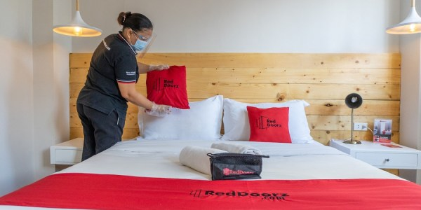 Photo illustrating essential know-hows when booking hotels
