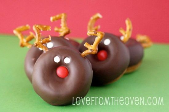 Reindeer-Donuts-by-Love-From-The-Oven-550x366