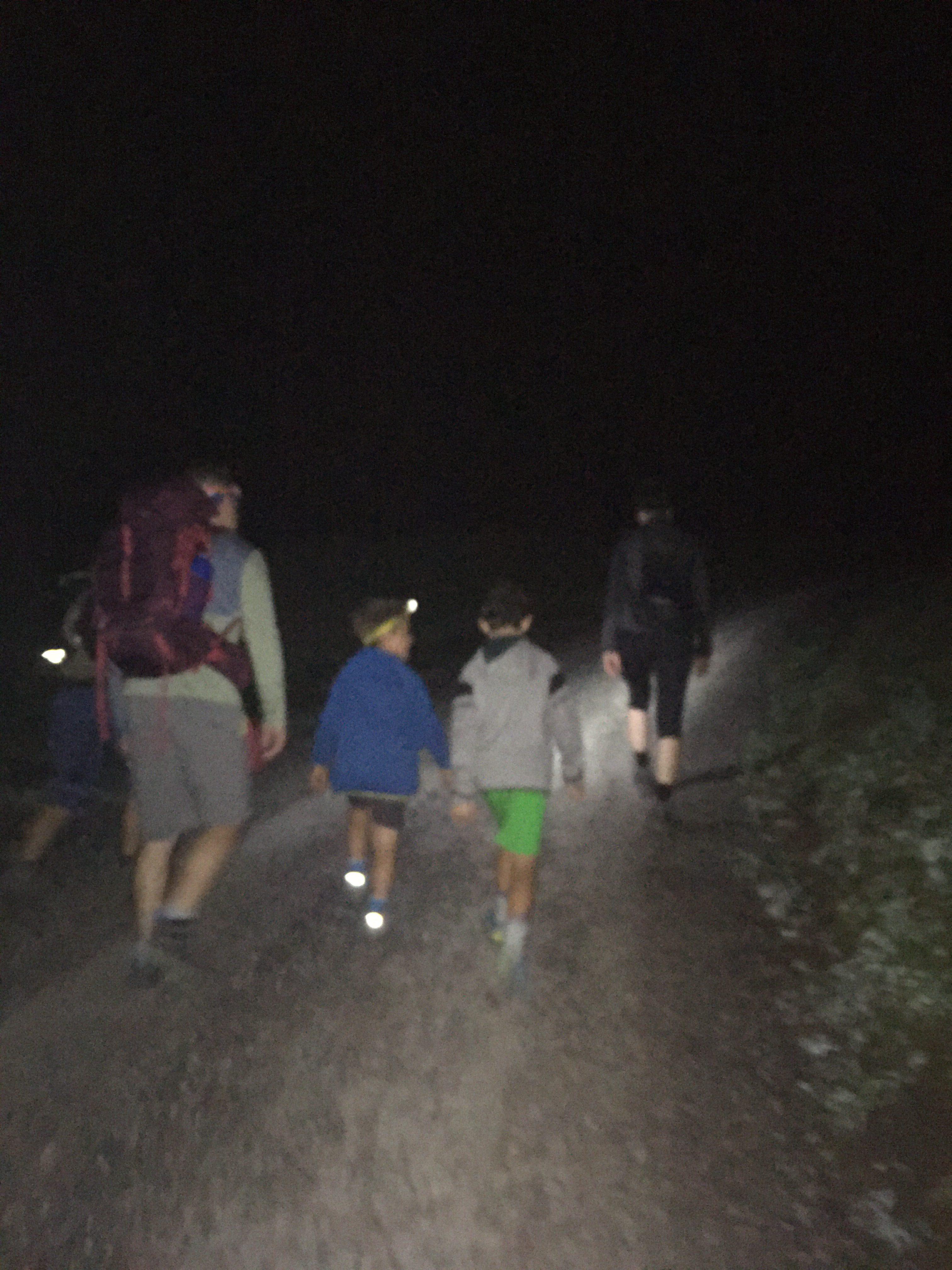 wandern mit Kindern zum Sonnenaufgang wohin
